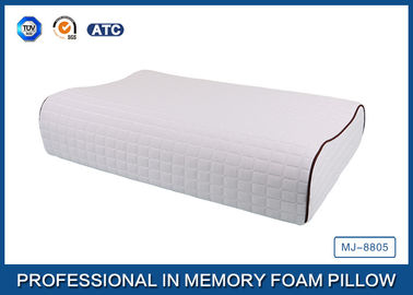 China Contour Hypoallergenic Natural Latex Foam Rubber Pillow For Side Sleeper supplier